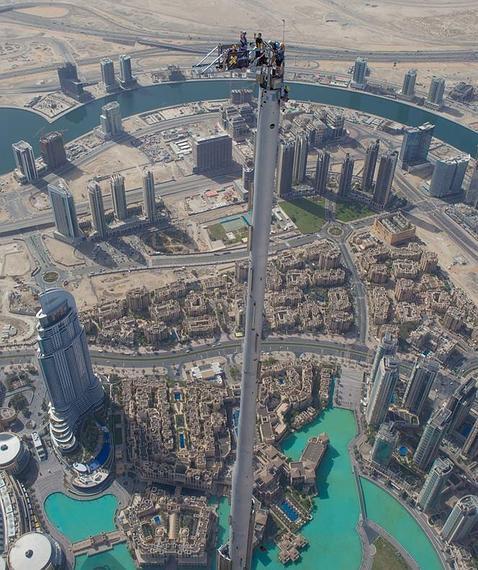 el salto base ms salvaje desde los metros del edificio ms alto del mundo