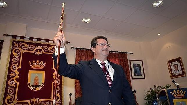 Anticorrupción denuncia al alcalde de Chipiona por 'enchufismo'