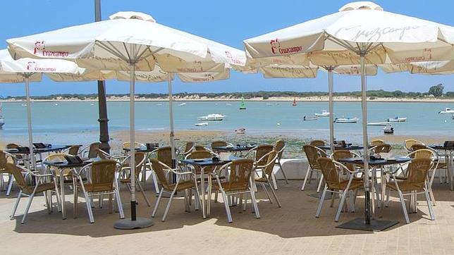 Diez paraísos en Cádiz para comer descalzo