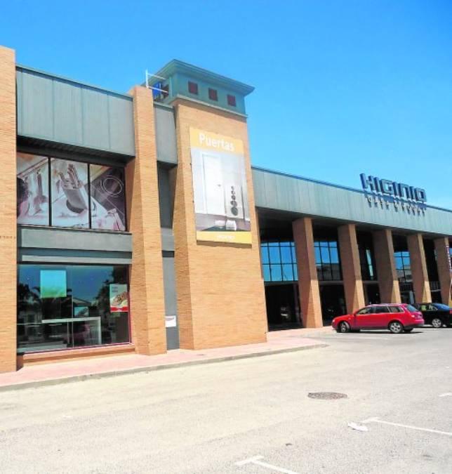 Formalizado el contrato para la ejecución del centro de negocios