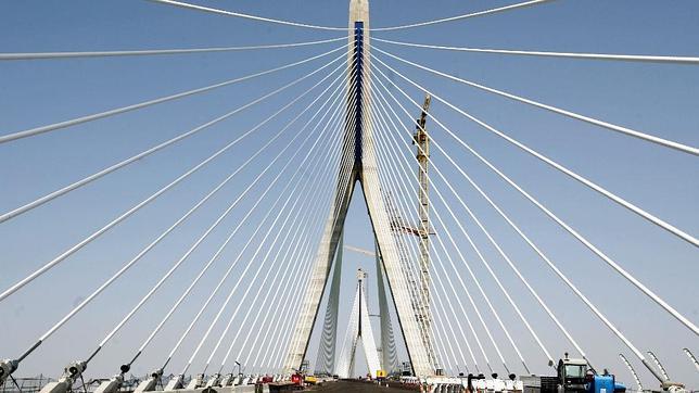 El segundo puente, un gancho para relanzar la Bahía de Cádiz