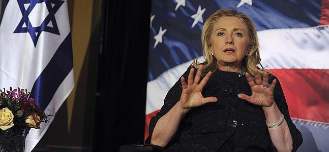 Clinton condena los nuevos asentamientos israelíes porque «retrasan las negociaciones de paz»