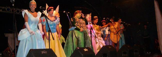 La chirigota del Canijo reúne a 4.000 personas en el teatro Kibón de Montevideo