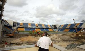 El Ayuntamiento pide a un conocido bufete que estudie si debe pagar al Cádiz por derribar la Tribuna