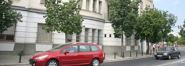 La avenida transversal avanza con el derribo del cuartel de la Guardia Civil