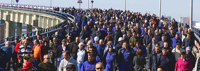 Los astilleros agravan sus protestas y reclaman carga civil en las plantas