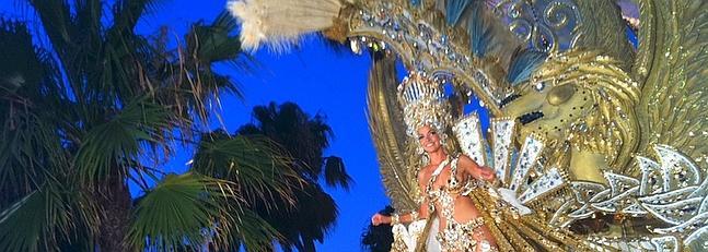 Miles de personas dan la bienvenida al Carnaval Iberoamericano en las calles