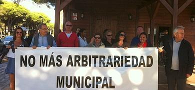 Vecinos de Roche reclaman al alcalde sus derechos como propietarios