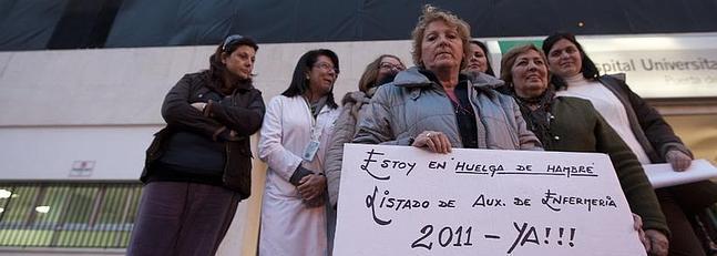 El SAS asegura a la auxiliar de enfermería en huelga de hambre que tendrá las listas el jueves