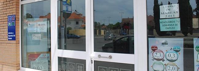Una administraci n de loter a cobra por la renovaci n del for Oficina paro tarragona