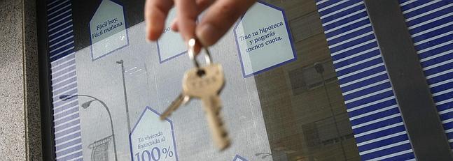 M s de hipotecas suscritas en la bah a tienen for Clausula suelo badajoz