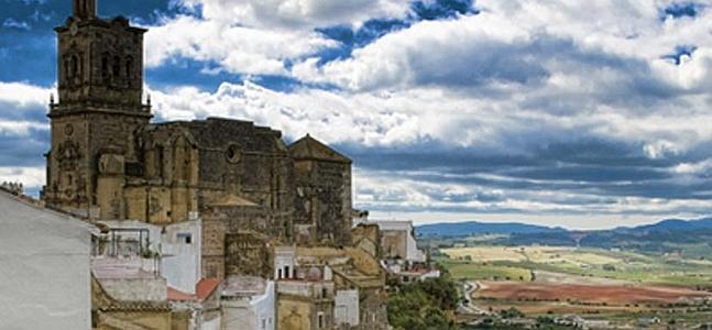 Fallece el dueño de El Convento de Arcos al caer por la peña