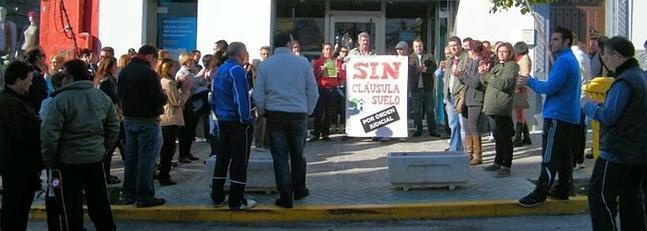 Manifestaci n contras las cl usulas suelo de las hipotecas for Clausula suelo tarragona
