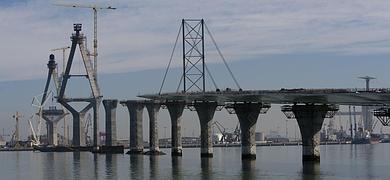 Fomento fulmina al director de la obra del puente y exige a Dragados celeridad