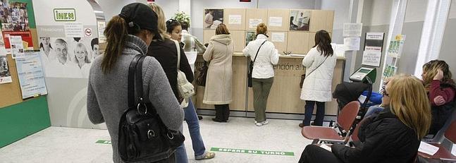 El paro sube en la provincia un 2 25 en enero la voz digital for Oficina paro tarragona
