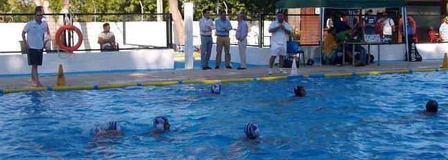 El domingo 15 se abren las piscinas municipales la voz for Piscinas municipales palencia