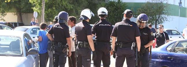 Detenidos siete ultras del jerez y sevilla por los - Policia nacional cadiz ...