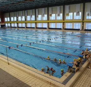 los ayuntamientos har n pabellones y piscinas cubiertas