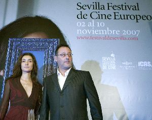 El Festival de Cine de Sevilla le otorga el Giraldillo de oro a Jean Reno