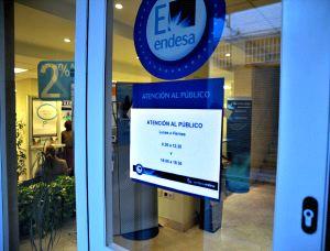 Las oficinas de endesa ya atienden reclamaciones por la for Oficinas endesa