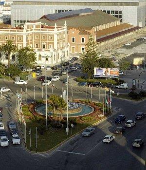 Consenso general a la propuesta de replantear el proyecto de Plaza de Sevilla