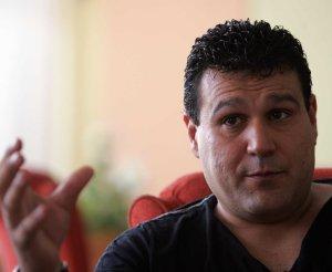 Carlos Javier Rojas Luna niega ser líder de una secta, pero sí haber cobrado miles de euros por hechizos de santería. :: ROMAN RIOS - 3180908