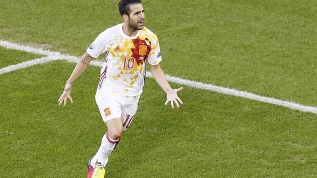 Cesc Fábregas celebra un gol.