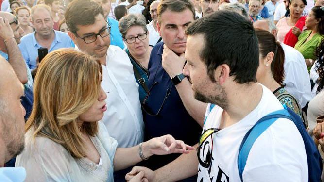 El promotor de la recogida de firmas con Susana Díaz en su última visita a Utrera /A.F.