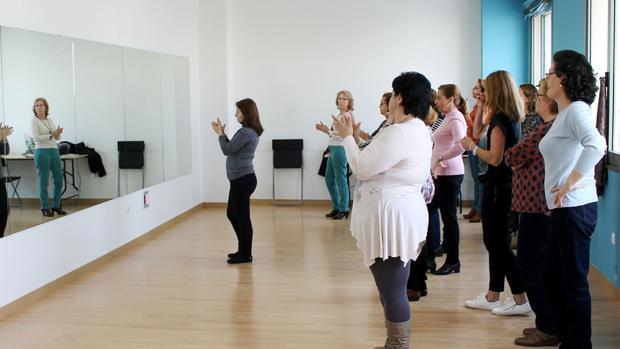 Uno de los talleres de baile impartidos en Montequinto
