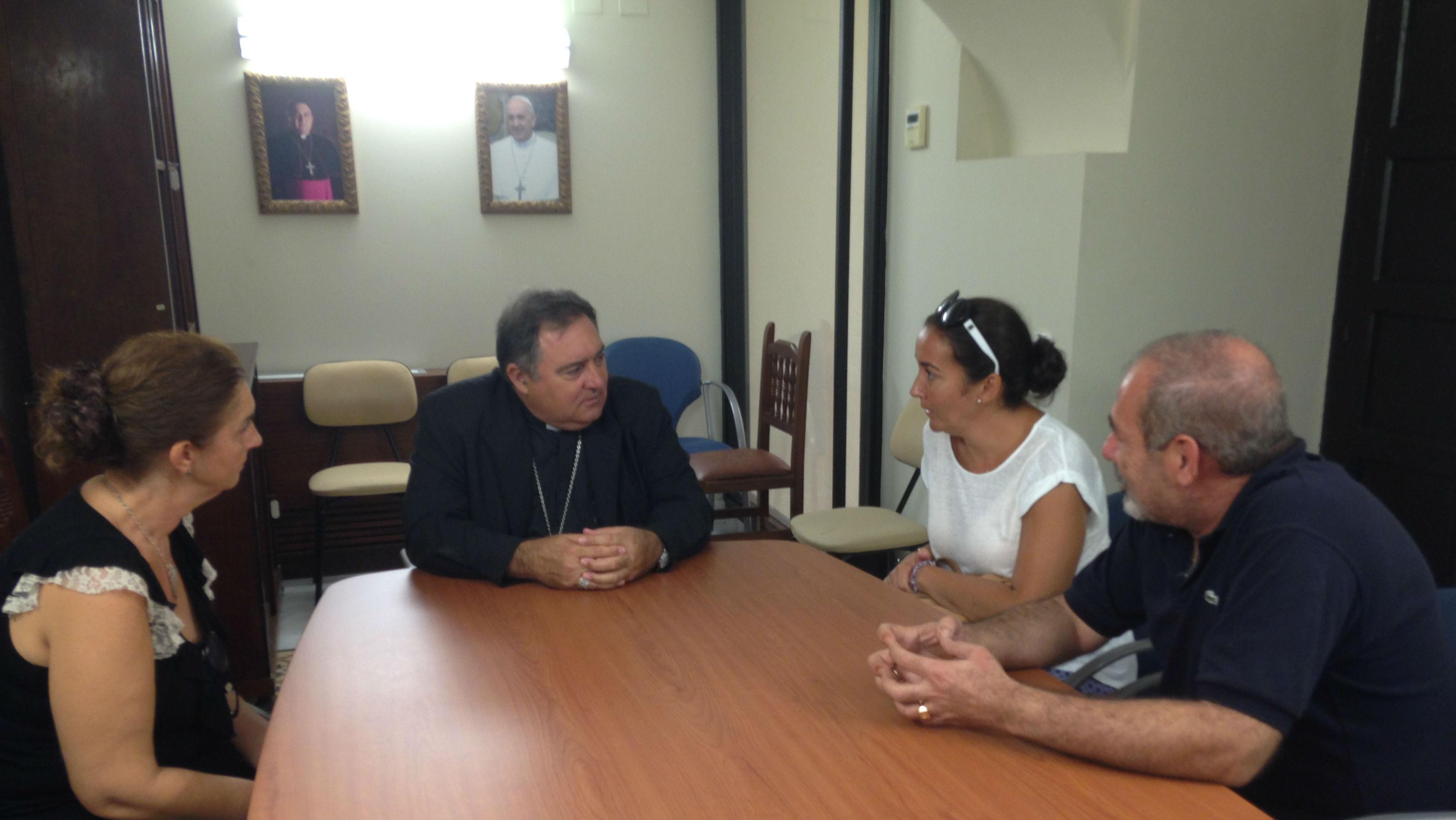 El Obispo de Jerez es su encuentro con afectados por el ERE municipal