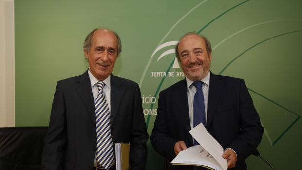 José Manuel Aranda y Juan tomás García en la rueda de prensa de esta mañana