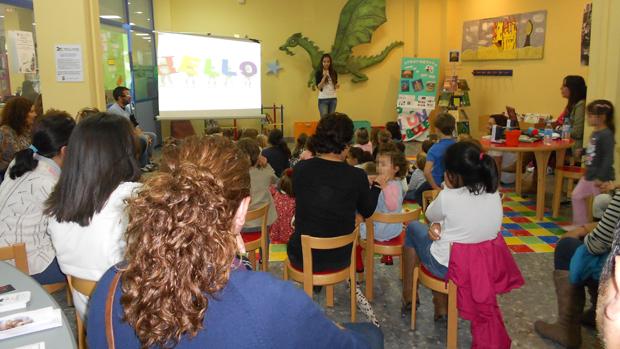 Cuentacuentos infantiles en la biblioteca / ABC