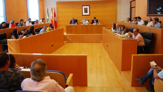 Pleno del Ayuntamiento nazareno / L.M.