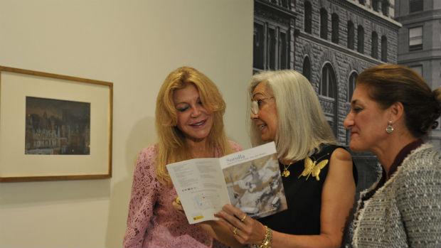Carmen Thyssen junto a Blanca Pons Sorolla, bisnieta del pintor, y la directora del Museo Carmen Thyssen de Málaga, Lourdes Moreno