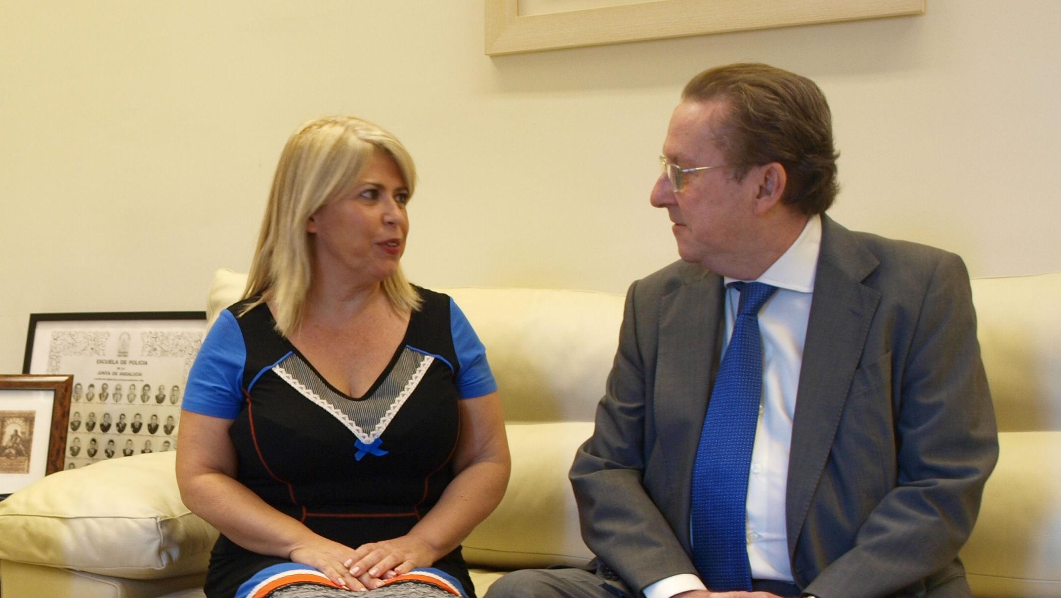 Sánchez y De Llera en la reunión de hoy en la Consejería de Justicia e Interior