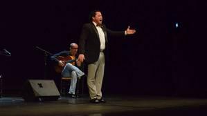 Rafael de Utrera lleva el cante intimista a la Bienal de Flamenco de Sevilla
