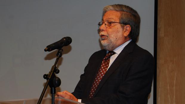 El alcalde socialista Francisco Toscano