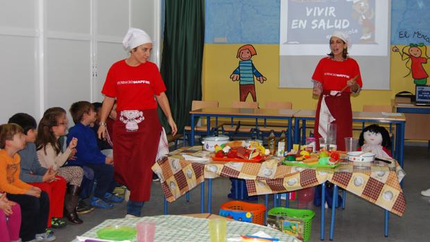 Imagen de archivo de un taller escolar sobre cocina
