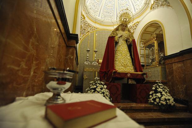 La Virgen de Lágrimas y Favores en la nueva capilla en San Juan