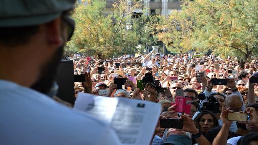 El médico Jesús Candel (Spiriman) ha leído un manifiesto al término de la marcha