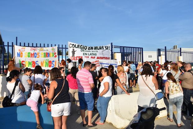 Una de las protestas para la creación de nuevos centros en Mijas