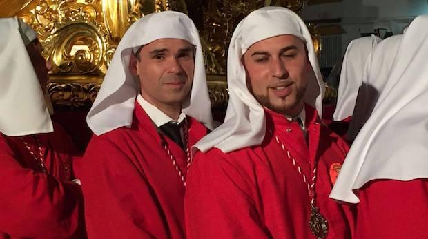 José Bernal, alcalde de Marbella, en los varales del Cristo del Amor de la ciudad / ABC