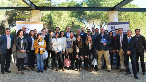 Emprendedores de la UPO y empresarios han mantenido un encuentro en Alcalá