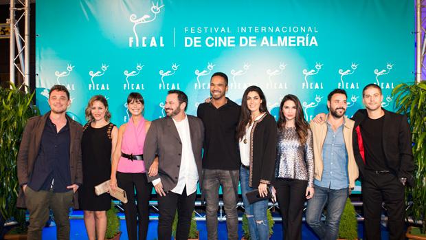 Actores de «Mar de Plástico» en la gala de FICAL
