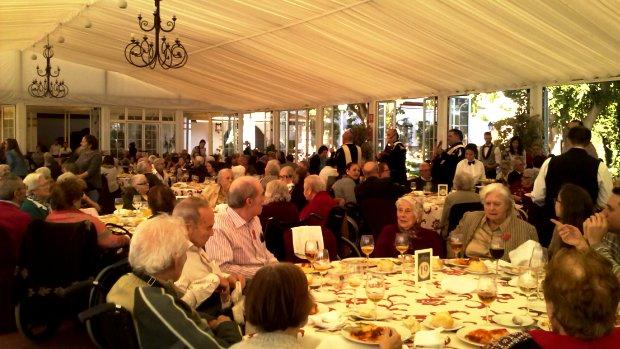 Más de 200 personas participan cada año en el homenaje a los mayores