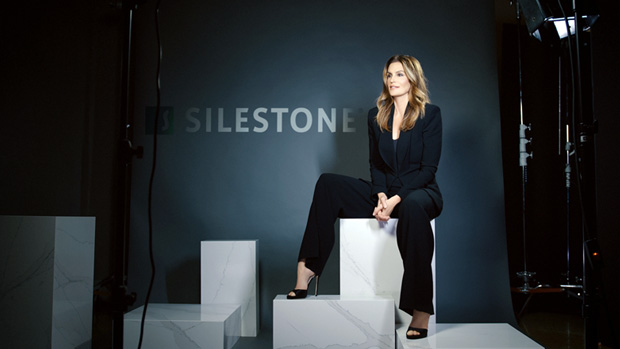 Cindy crawford imagen mundial de silestone for Silestone malaga
