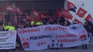 Denuncian al alcalde de Espartinas por acoso laboral a los trabajadores