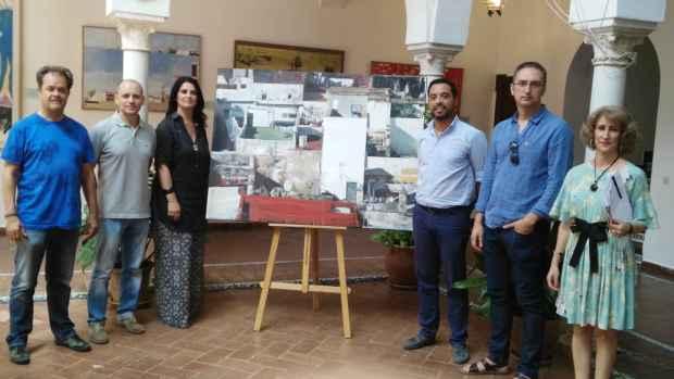 El jurado del premio José Arpa con la obra ganadora
