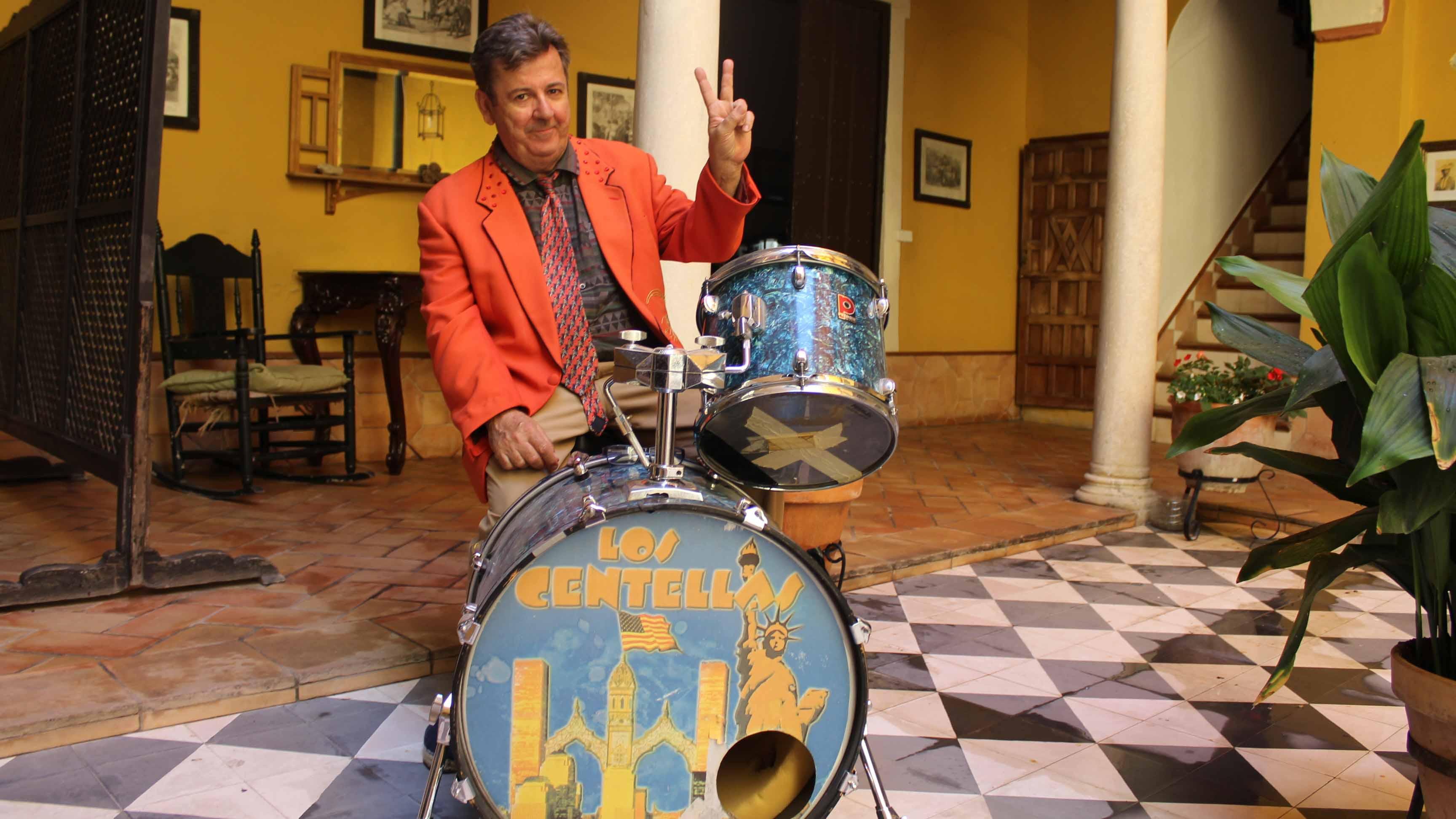 Tony López, el cantante del grupo utrerano Los Centellas