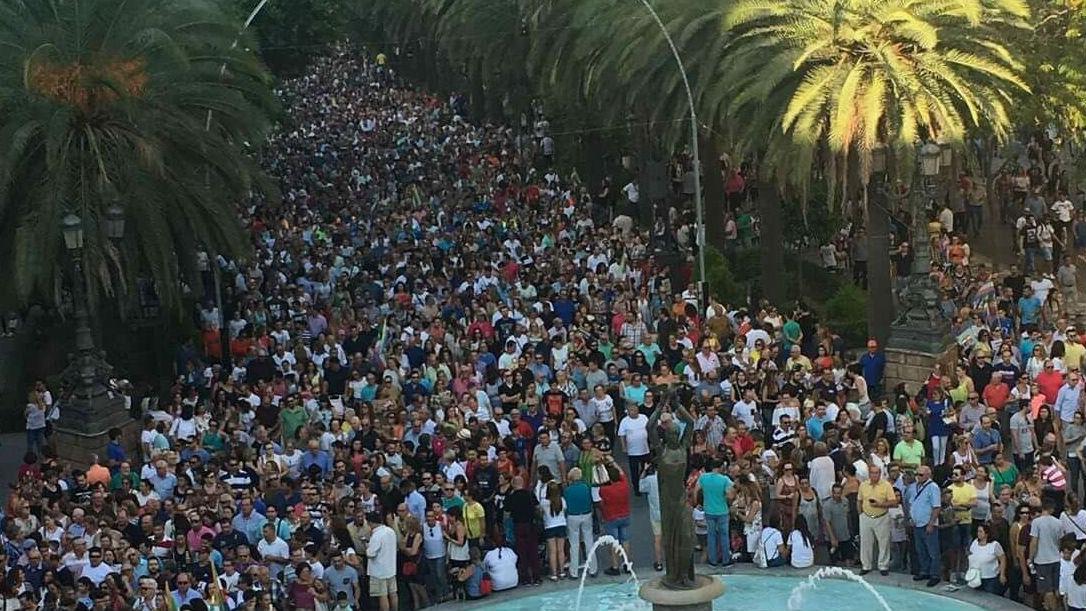La manifestación ha sido secundada por miles de personas